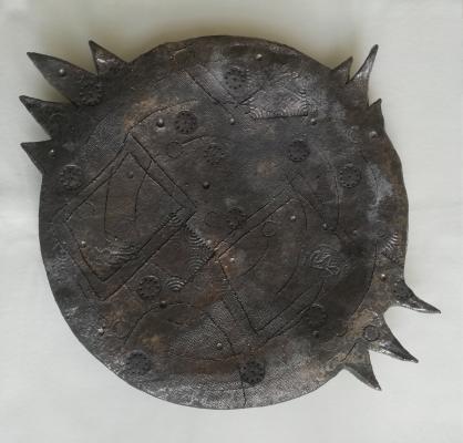 grote-platte-schaal-yolanda-roosen